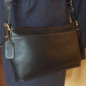 Vintage Coach Navy Blue Leather Crossbody